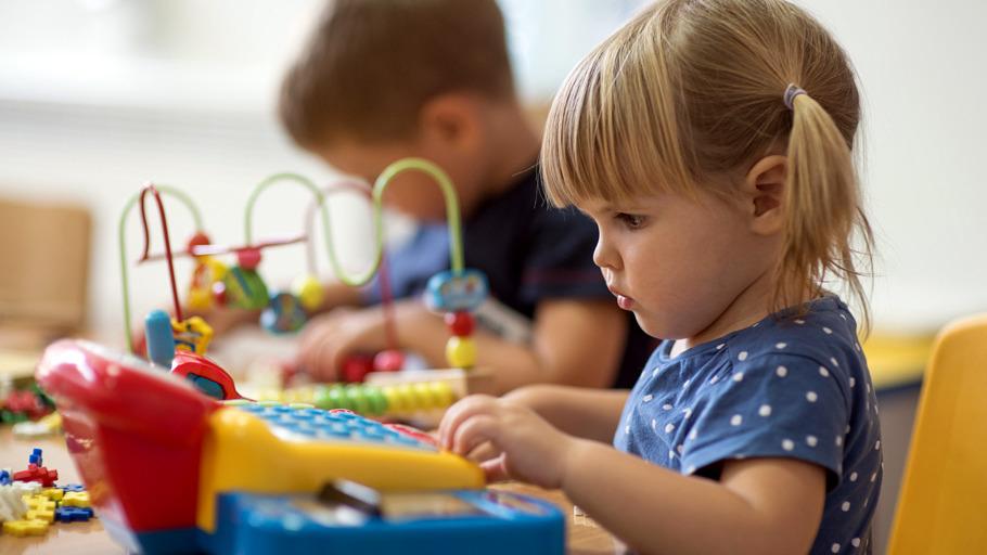 Enfant en train de jouer