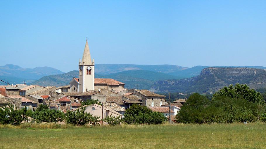 Vue sur le village de Saint-Sernin
