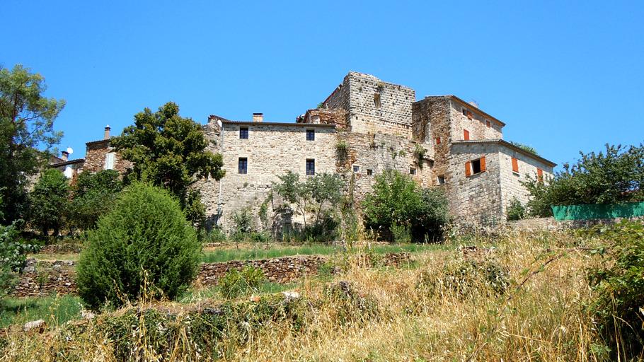 Vue sur le village de Vinezac