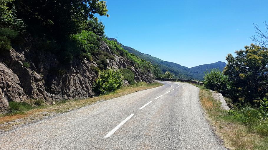 Une route en Ardèche